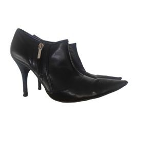 GUESS LEATHER BOOTIES SZ 9.5